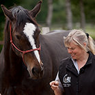 Unsere Freestyle Horse Agility Expertin: Corinna Ertl.