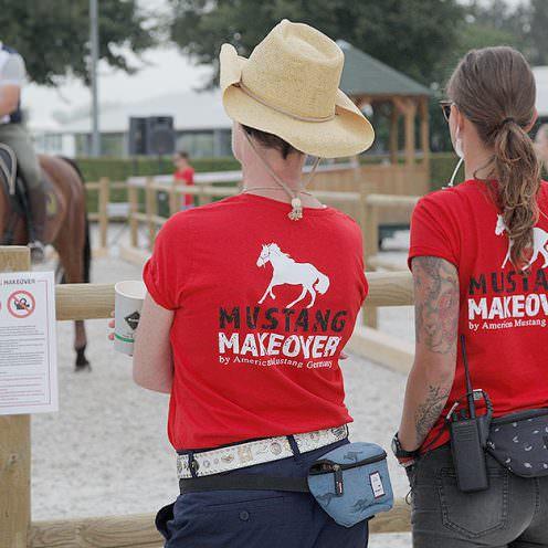 2017 war das Mustang Makeover ein Erfolg - volle Ränge, eine Menge guter Trainer und tolle Pferde. Deshalb fand auch 2018 wieder ein Mustang Makeover statt.
