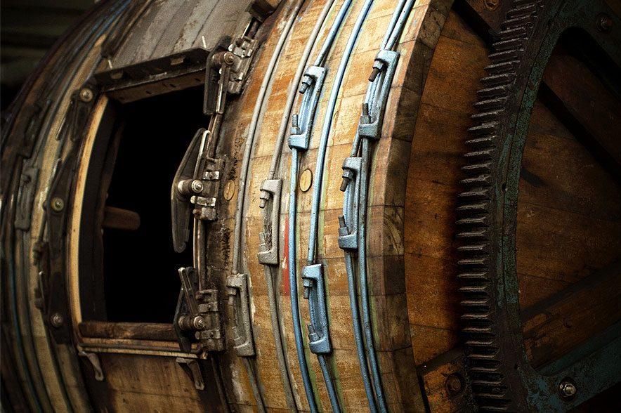 In den Trommeln wird das Leder gegerbt und geschmeidig gemacht. © Hillbury