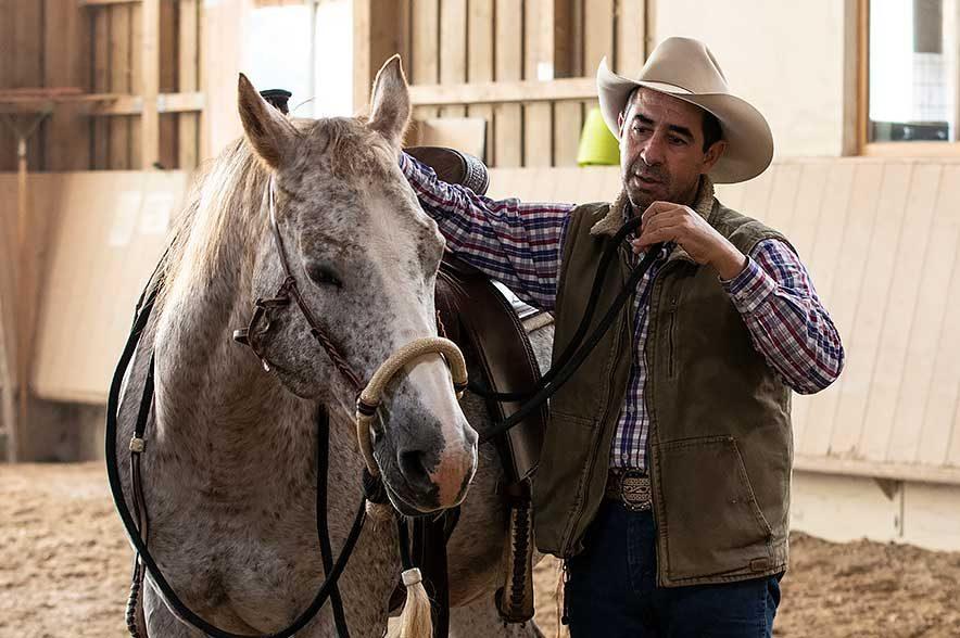 Alfonso Aguilar ist ein Pionier des Horsemanship und arbeitet am liebsten ruhig und bescheiden mit den Pferden. © C. Weisser