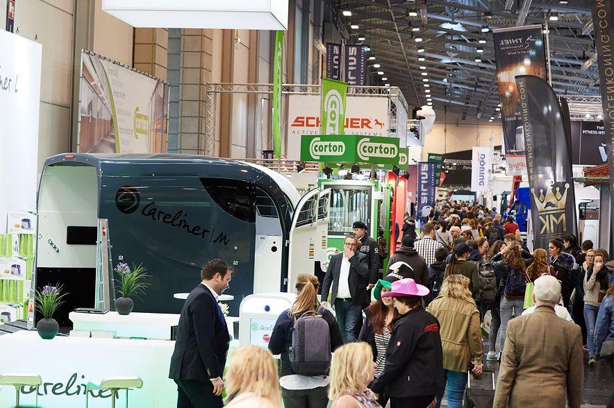Fahrzeuge für den sicheren Transport finden sich in Halle 3. EQUITANA/Behrendt und Rausch