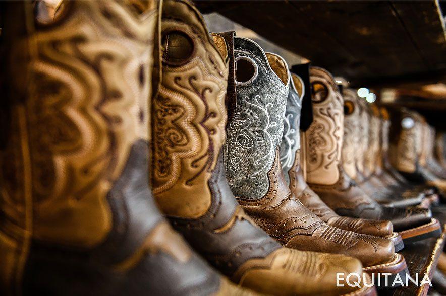 Schicke Stiefel für echte Cowboys. © EQUITANA/Oliver Wachenfeld