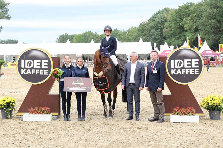 Marie Ligges gewann den J.J. Darboven Trainee Cup bei den Bundeschampionaten 2018. © ACP Pantel