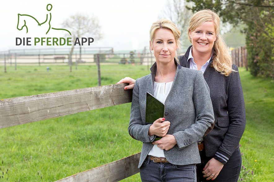Sarah Wendlandt (links) und Christina Terbille (rechts), Geschäftsführung Die Pferde App GmbH. © Jürgen Schwarz Photography