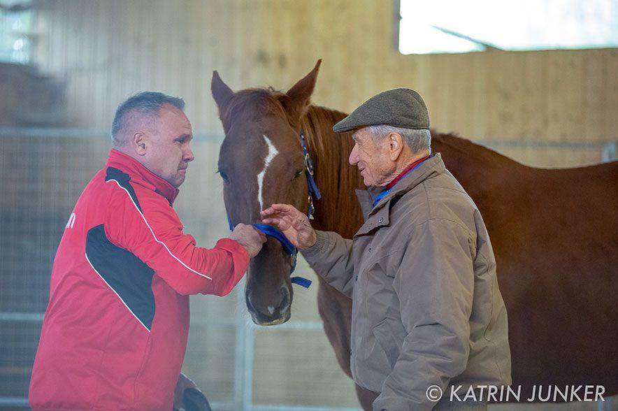 """""""Pferdeflüsterer"""" Monty Roberts arbeitet erfolgreich mit traumatisierten Soldaten, jetzt auch in Deutschland. © Katrin Junker"""