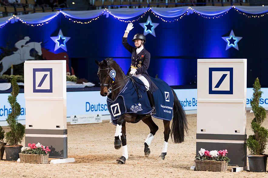 Englischer Sieg im Grand Prix Special: Emma Hindle (GBR) gewinnt den Deutsche Bank Preis. © Thomas Hellmann