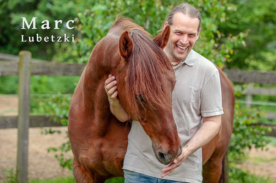"""Marc Lubetzki - Filmvortrag """"Im Kreis der Herde"""". © Marc Lubetzki"""