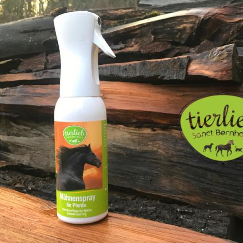 """Naturheilmittel für Pferde - das gibt's von der Marke """"tierlieb"""". Wie wirkungsvoll die Mähnenpflege und die Huf-Kur sind, durften unsere Mitglieder testen."""